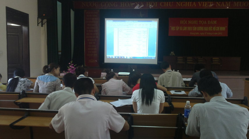 Tập huấn nhận thức HTQLCL ISO 9001:2008 tại UBND phường Giang Biên