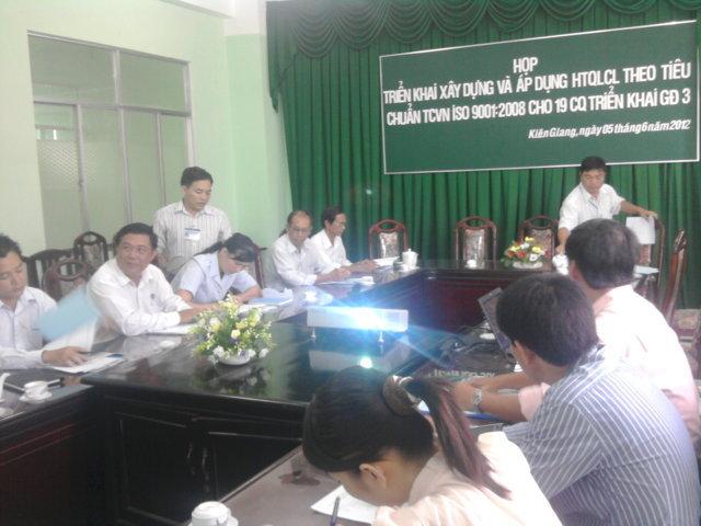 Hội nghị triển khai XD&AD HTQLCL ISO 9001:2008 cho CQHCNN tỉnh Kiên Giang