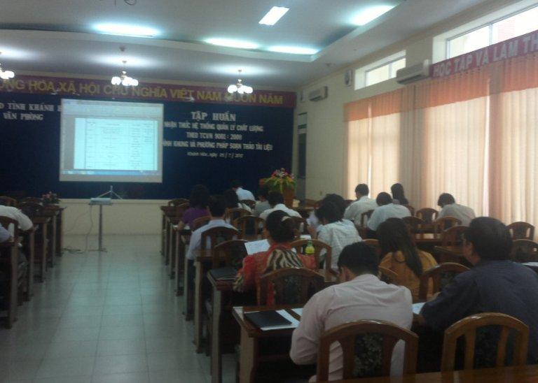 Tập huấn nhận thức HTQLCL TCVN ISO 9001:2008 tại VP UBND tỉnh Khánh Hòa