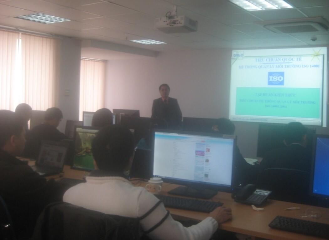 Tập huấn nhận thức HTQLMT ISO 14001:2004 tại Công ty CP Dịch vụ KT ĐL DK Việt Nam