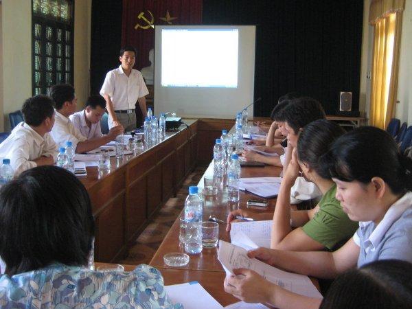 Tập huấn nhận thức HTQLCL ISO 9001:2008 tại Ủy ban nhân dân phường Lĩnh Nam