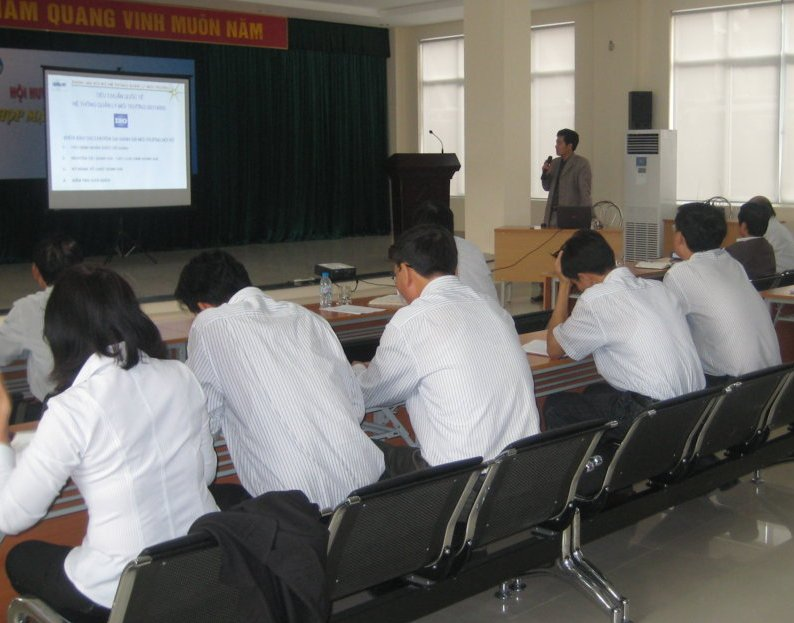 Đào tạo nhận thức HTQL Môi trường ISO 14001:2004 tại Công ty CP Ắc quy Tia sáng