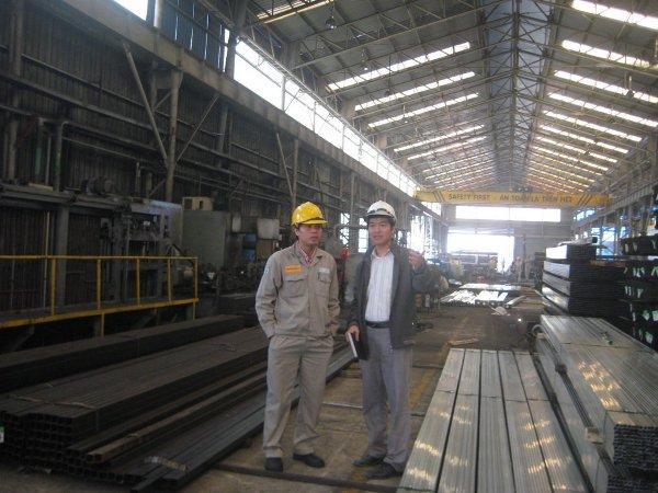 Chuyên gia tư vấn QMT khảo sát HTQLMT tại Công ty TNHH Ống thép Việt Nam