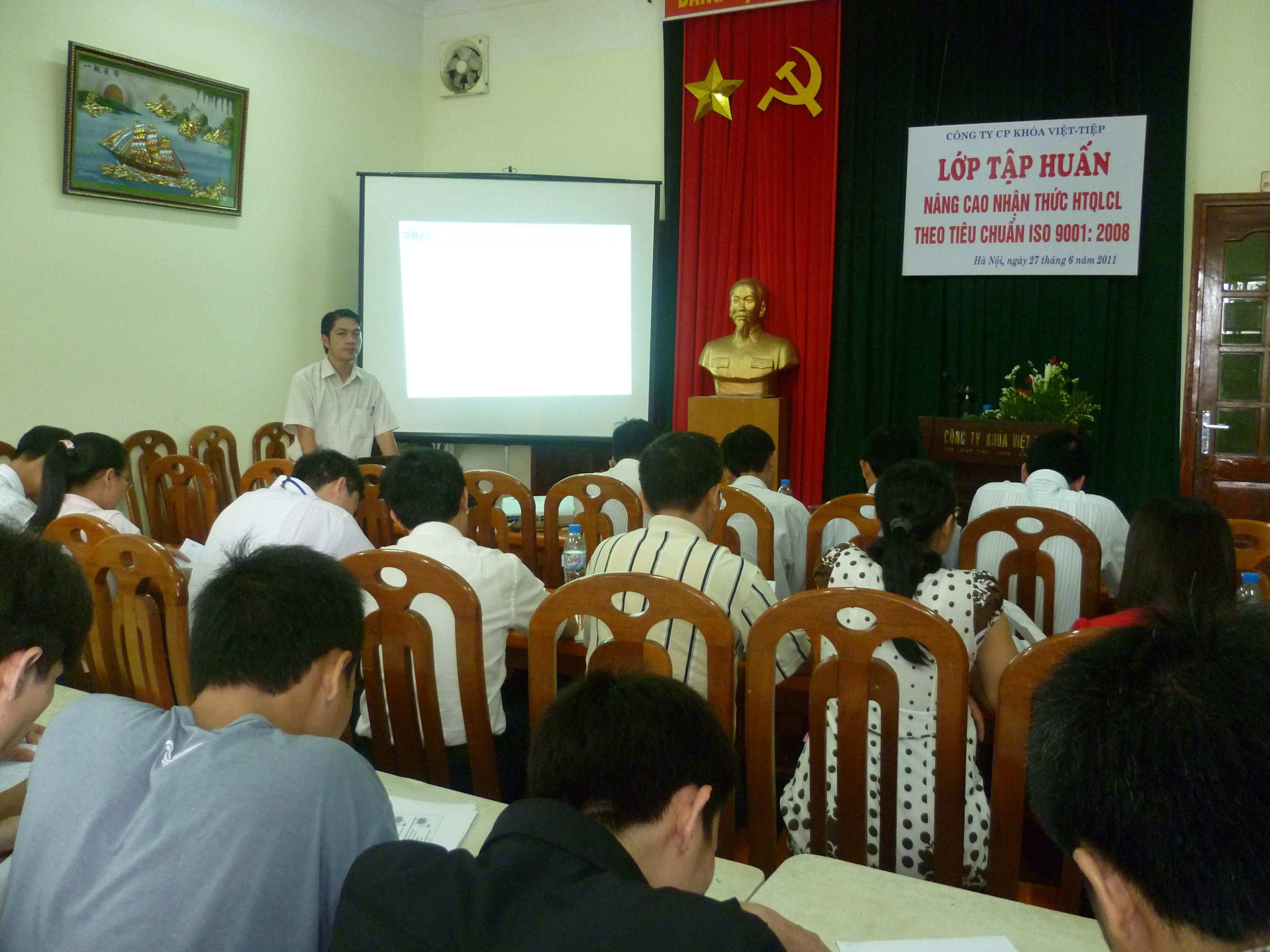 Đào tạo nâng cao kiến thức ISO 9001:2008 tại Công ty CP khóa Việt Tiệp