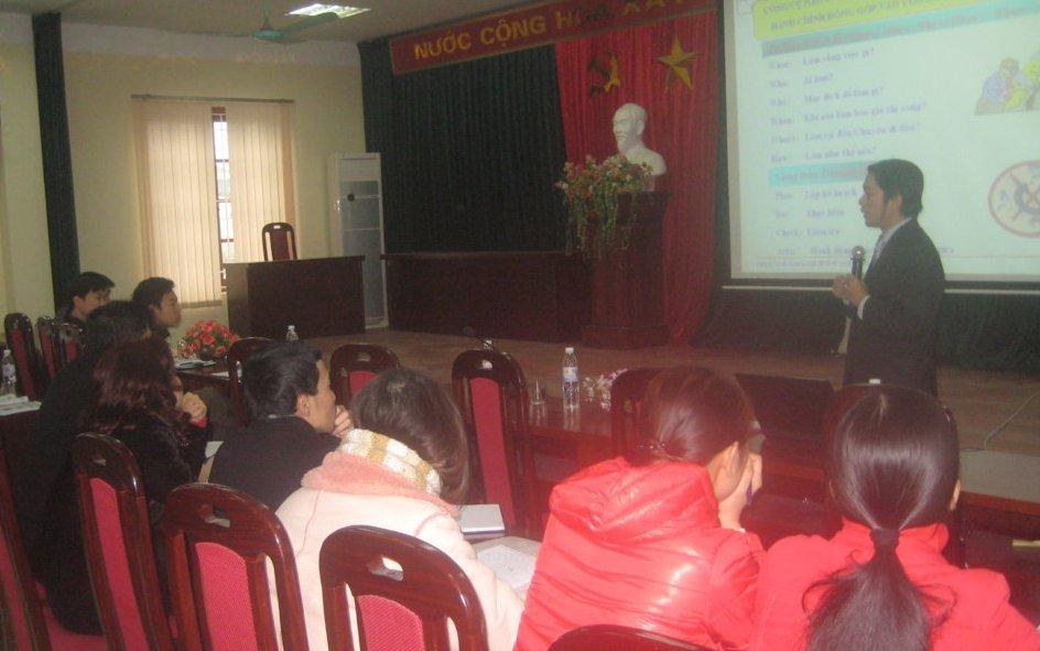 Tập huấn nhận thức HTQLCL ISO 9001:2008 tại UBND phường Mai Động